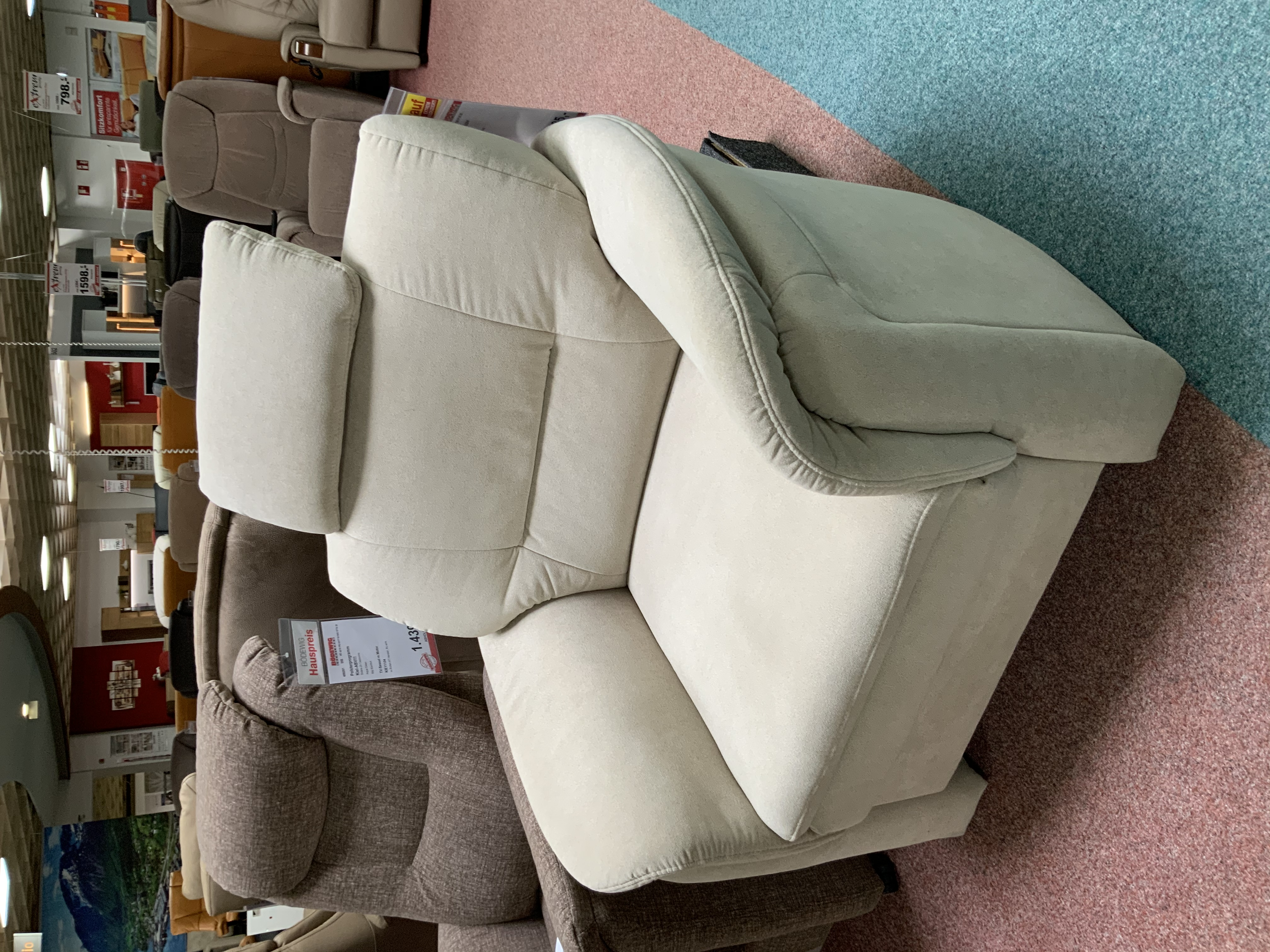 Sessel mit Kopfstütze, Bezug Beige 451054-010
